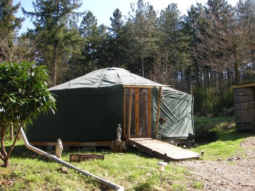 yourte chalet des arbres la bergerie des bois. Black Bedroom Furniture Sets. Home Design Ideas