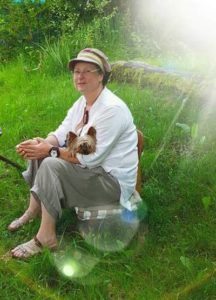 Carole Elimiah, fondatrice de la formation Ecoute Holistique Sensitive, thérapeute, chamane, écrivain